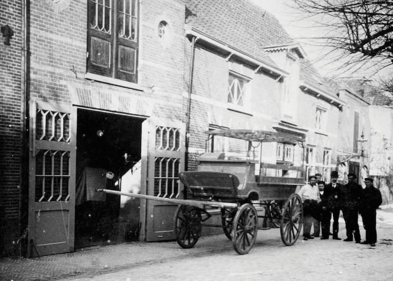 Wagenmaker Van der Loo, Voorstraat nr 4 (A Barnhoorn) 2